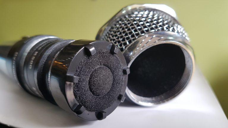 Micro karaoke có dây